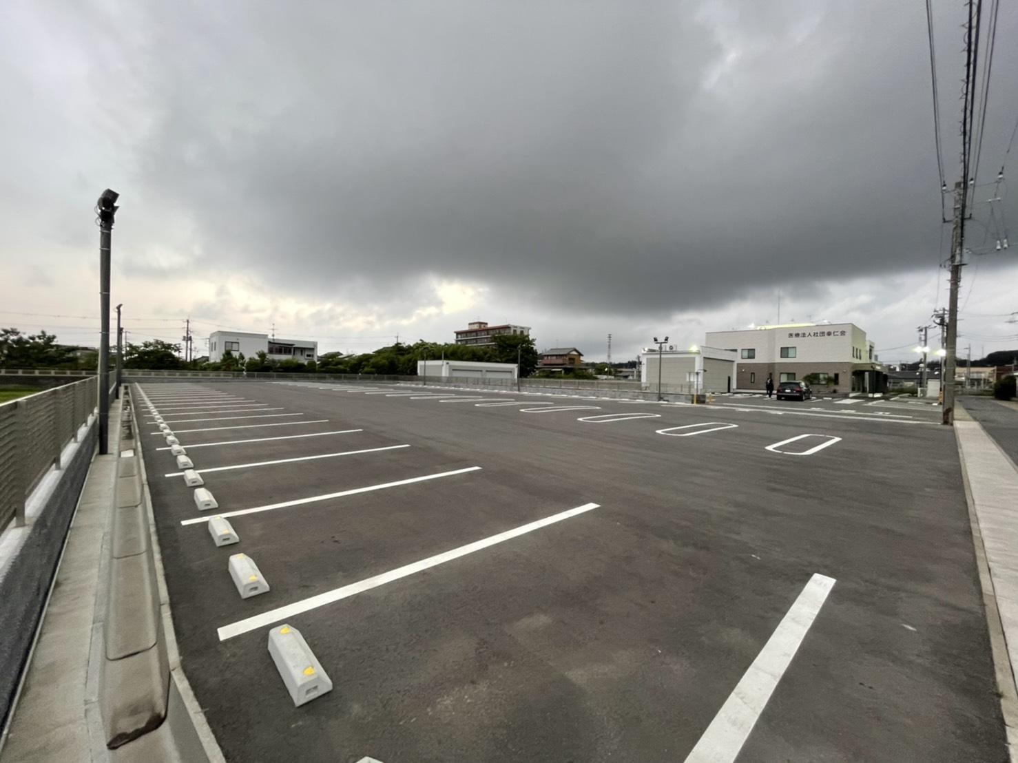 駐車場102台完備!